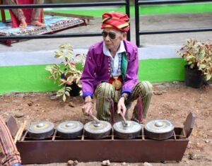 Uwang_Ahadas-traditional_music_2